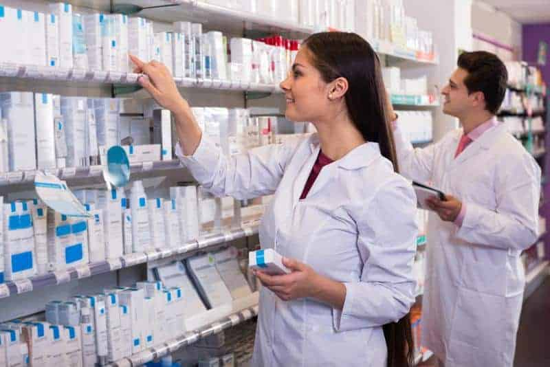 There needs to be clear communications between pharmacists and physicians